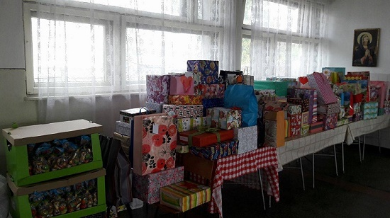cadouri paste copii