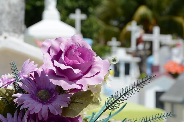 Cele mai importante intrebari pe care sa le pui atunci cand apelezi la o firma de servicii funerare